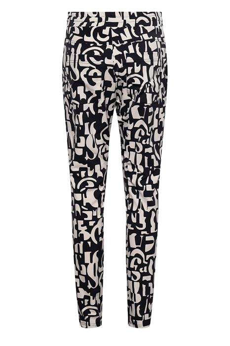 &CO Broek Philly Letter