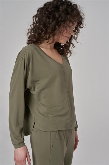 Simple Pullover Tamyra
